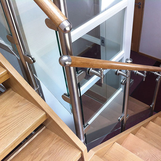 Stainless Steel Handrail Fitting with Wood