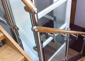 Wooden & Stainless Steel Handrail System